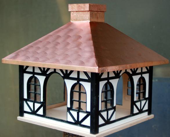 Vogelfutterhaus- Fachwerk-Kupferdach